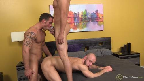 4-threesome-gay-muscle-sex-chaosmen